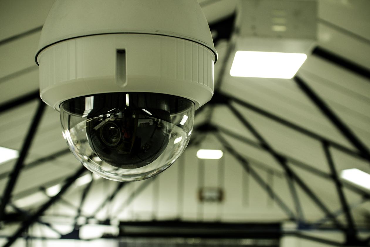 Sistem CCTV di Restoran dan Toko